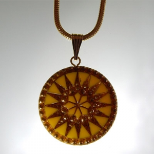 Sun pendant Ø approx 34 mm, yellow 687 / old gold, with snake chain, gold, lobster clasp