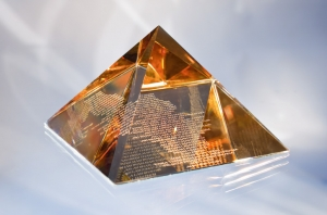 High quality glass pyramid golden shadow